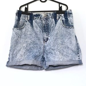 Vintage Jordache worn in roll hem high waist short
